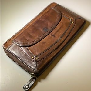 Fossil brown leather zip around wallet